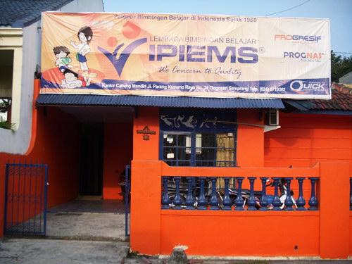 Lembaga Bimbingan Belajar IPIEMS Tlogosari