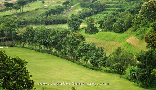 lapangan golf graha candi golf