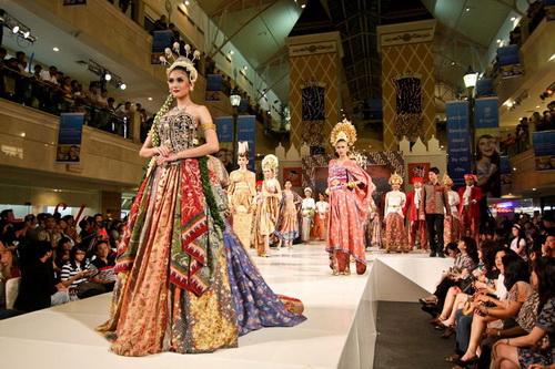 fashion show batik keris