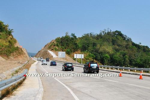 Jalan Tol Semarang Solo Menembus Bukit