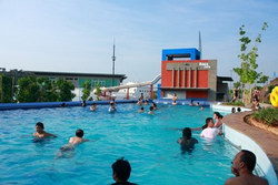 kolam renang pleasure pool