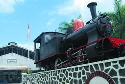 Lokomotof tua museum kereta api ambarawa