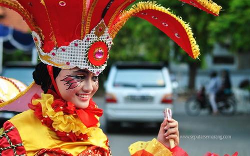 Selamat datang di Carnaval ulang tahun semarang ke 465 th