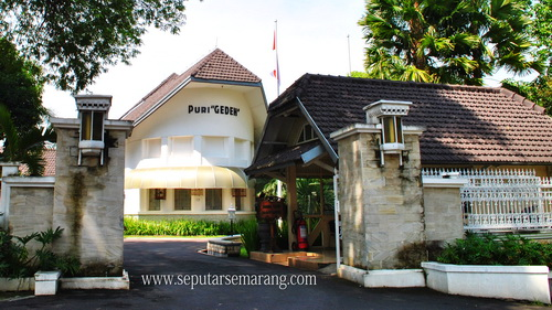 Gambar Puri Gedeh, bangunan kuno Semarang