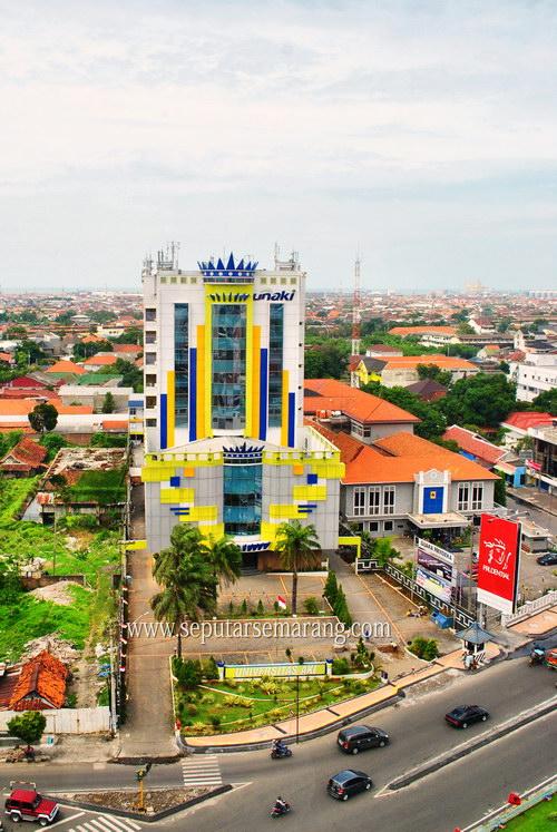 Foto Gedung Unaki Semarang