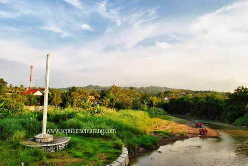 Tempuran Tugu Suharto
