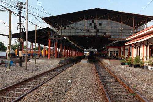 Foto Stasiun Kereta Semarang Poncol