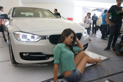 Pameran Mobil BMW Model Seksi