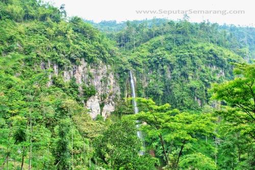 Obyek Wisata Air Terjun Kalipancur